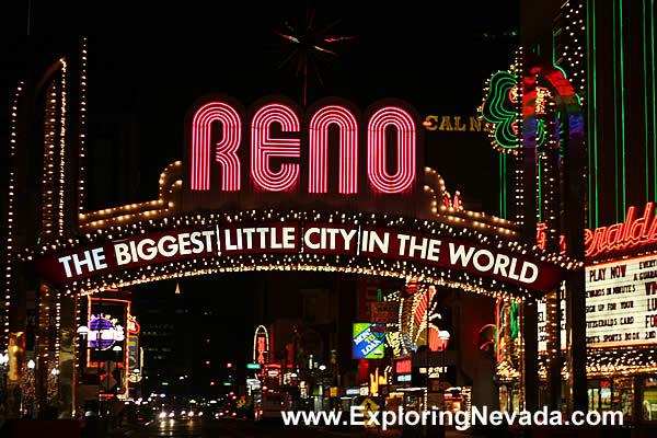 Photographs Of Reno Nevada Downtown Reno At Night Amp The Reno Arch